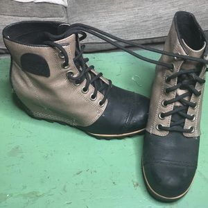 Sorel boots size 8. Worn once!